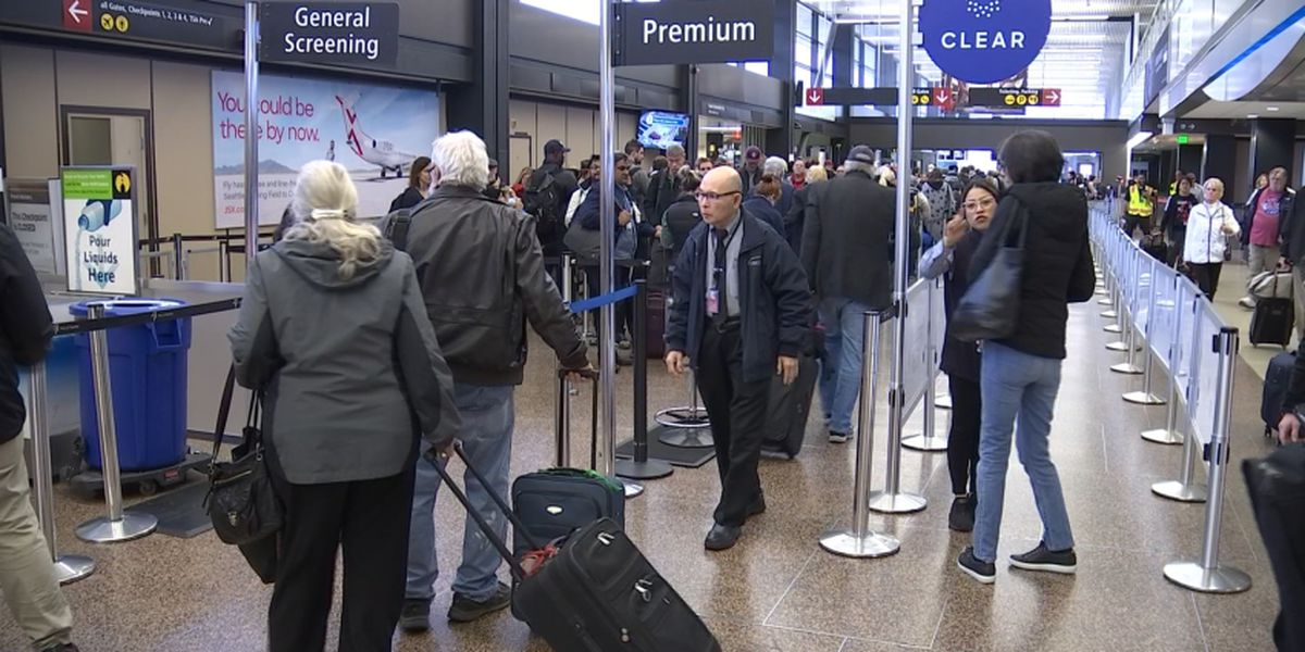 End of Thanksgiving travel causing headache at airports
