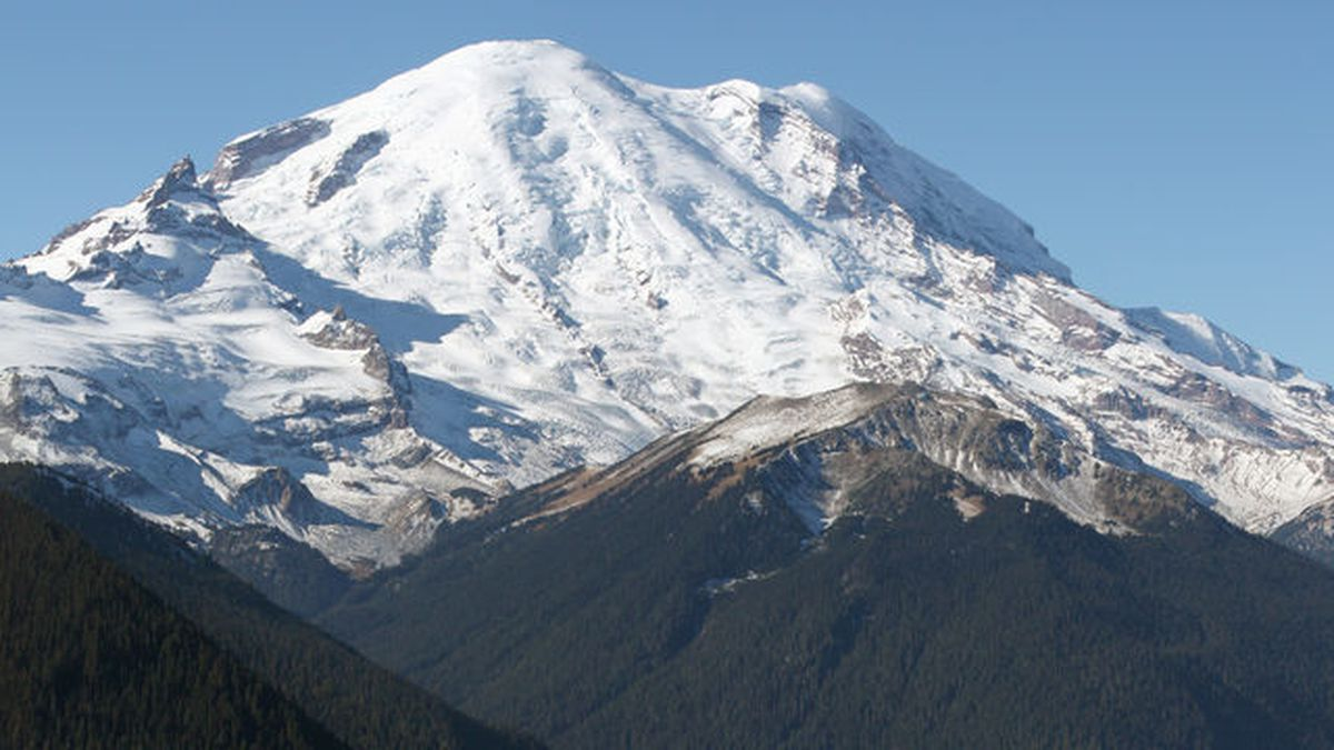 Swarm of earthquakes detected at Mount Rainier