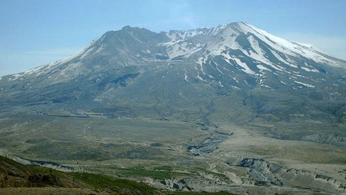Swarms of 120 earthquakes reported at Mt. St. Helens in a week's time