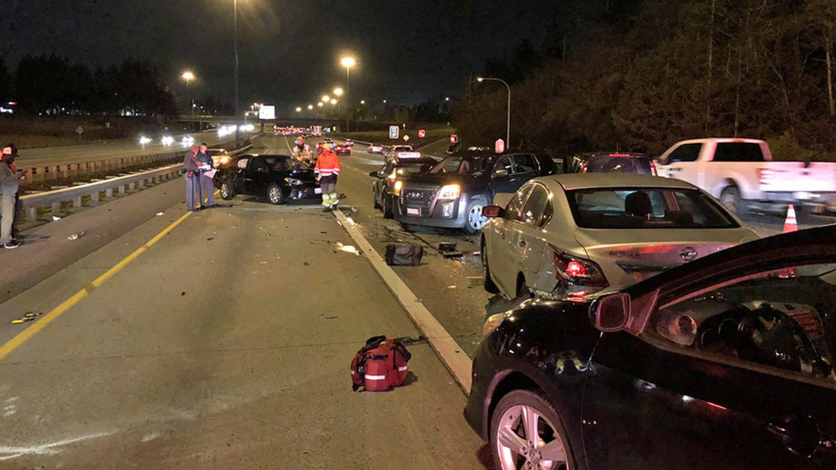 7-car crash in Federal Way slows I-5 commute