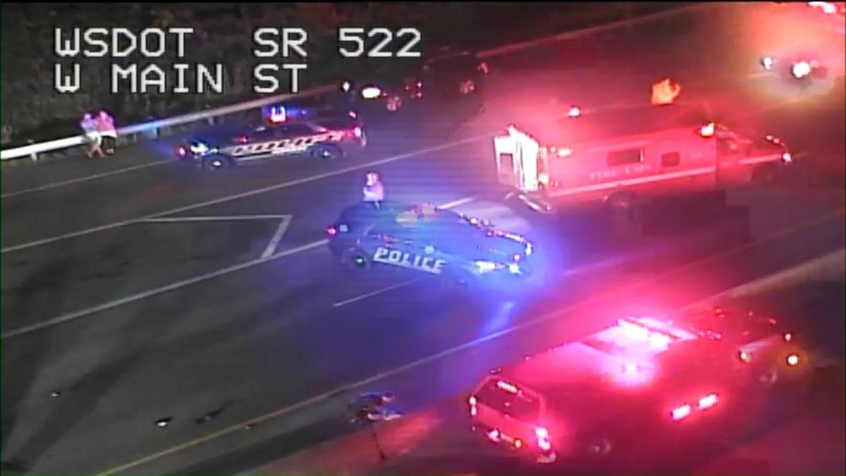1 killed in crash on SR 522 near Monroe