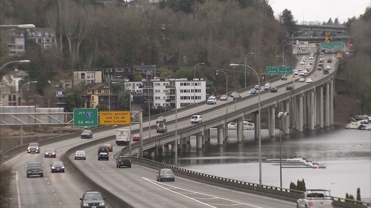 Neighborhood groups sue over Montlake traffic plan for 520 construction