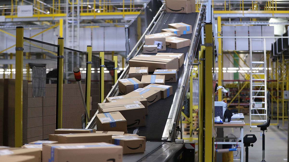 Coronavirus: Amazon confirms nearly 20,000 US employees sickened by COVID-19 since March 1