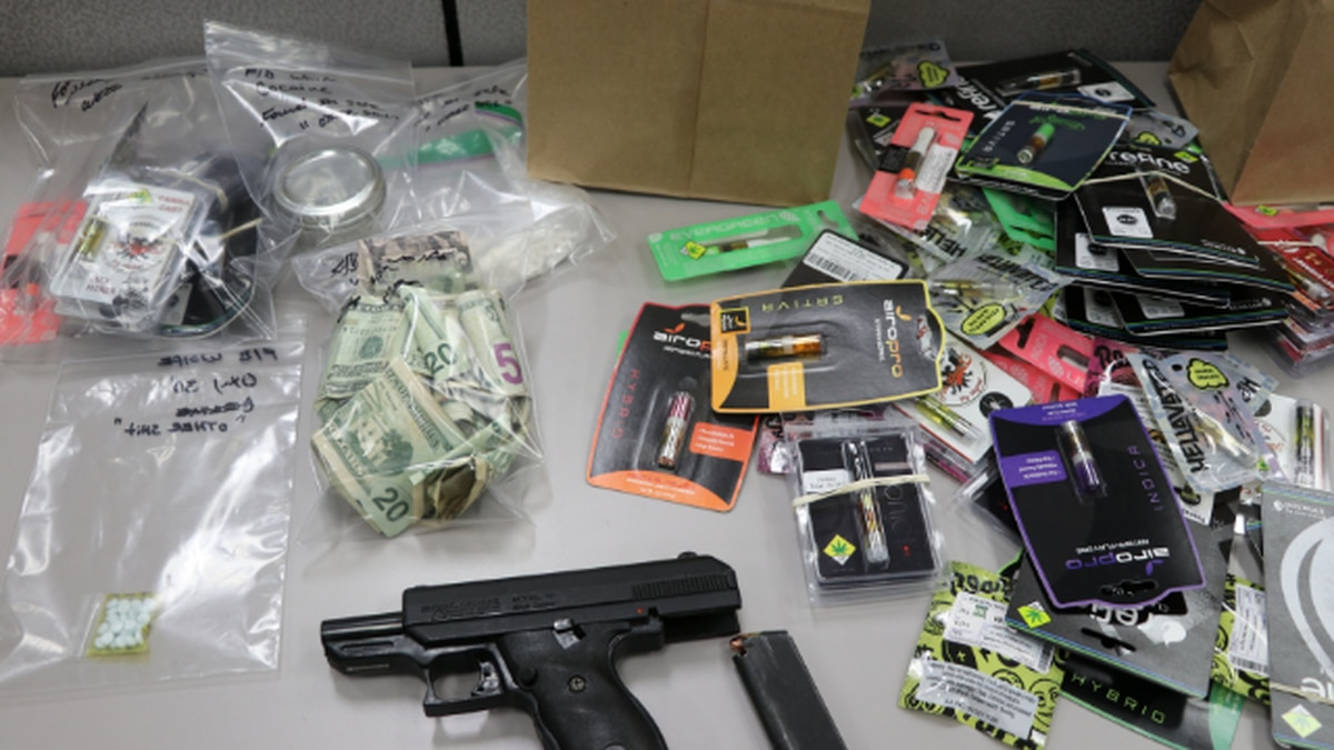 Man arrested after attempting to sell drugs to Tacoma, Gig Harbor students, police say