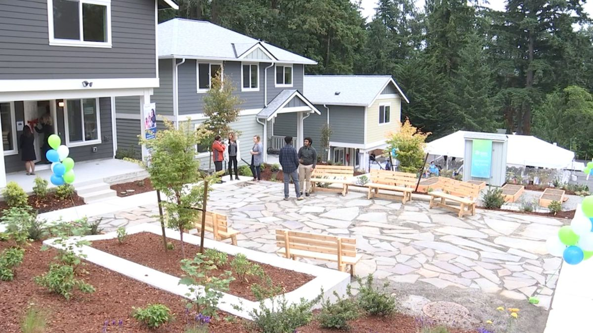 Ten Eastside families become homeowners in Habitat for Humanity project
