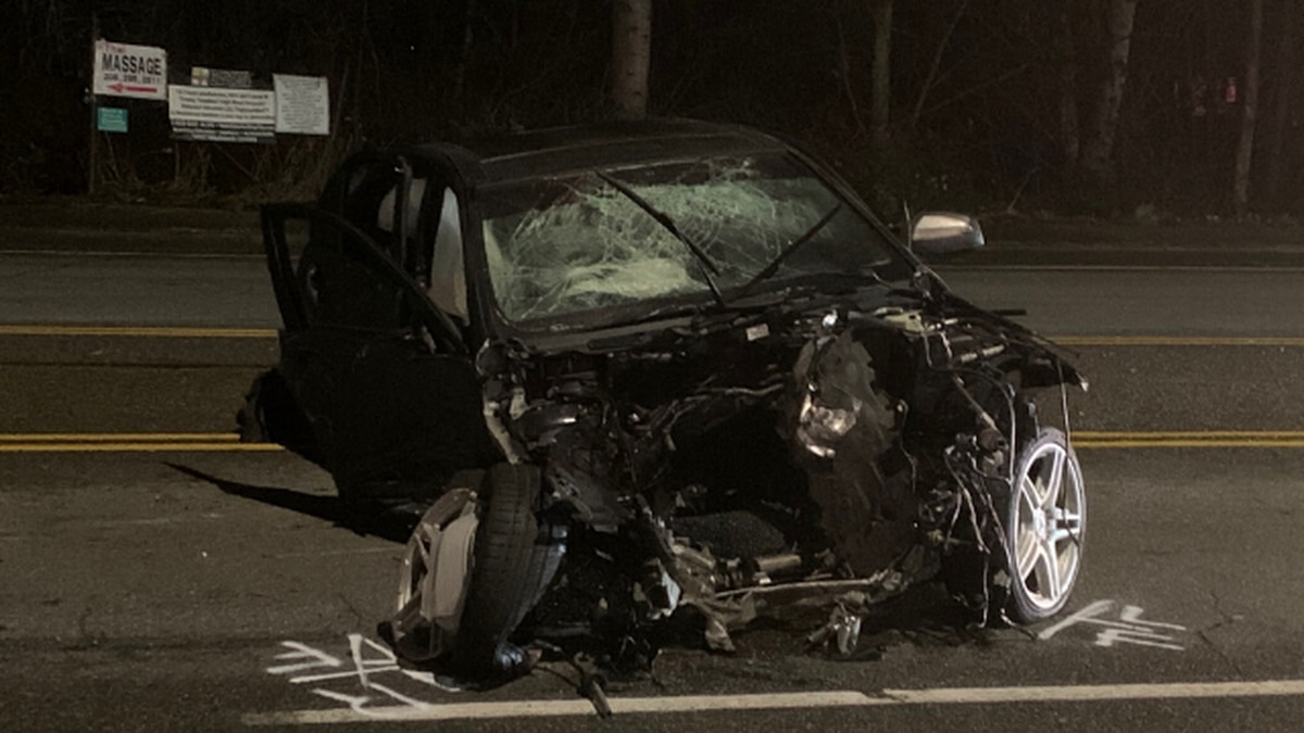 Man ejected from vehicle after crash in Puyallup early Sunday