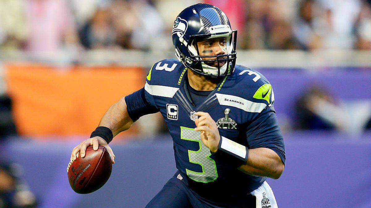 Alaska Airlines to allow jersey-wearing Russell Wilson fans to cut lines