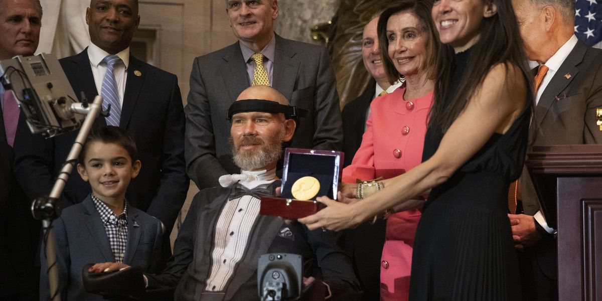 Former WSU, NFL player Steve Gleason honored by congress for ALS work
