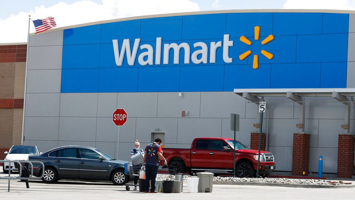Walmart to issue more bonuses for employees; find out how much they will get