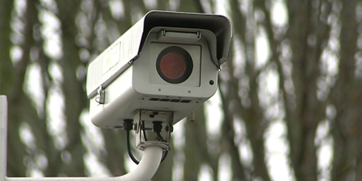 Drivers to get warnings as new red light cameras begin Saturday