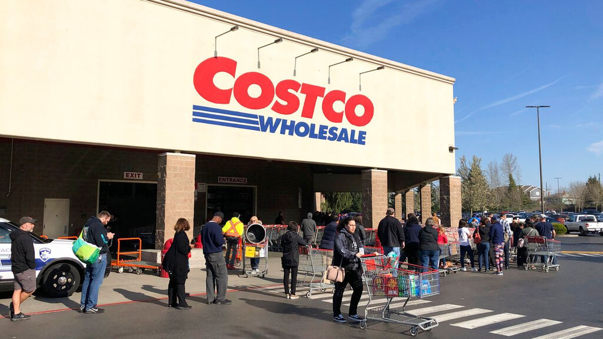 Costco gives priority entrance to first responders, health care workers