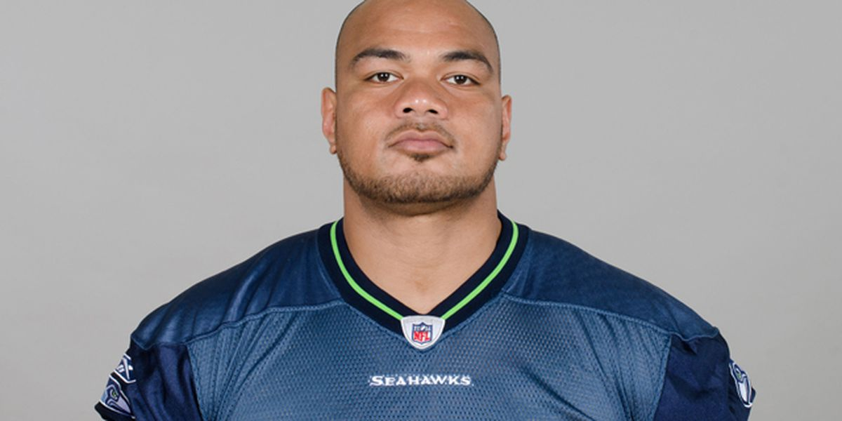 Former Seahawk charged with illegally possessing firearms