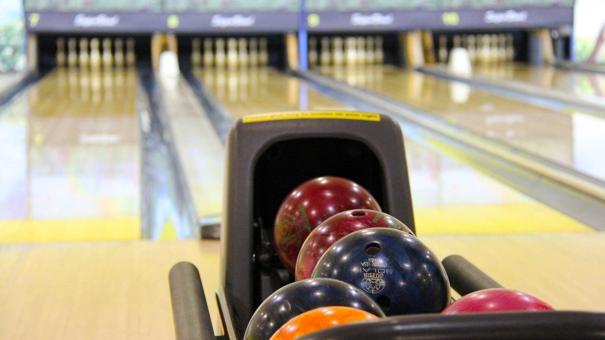 Inslee announces updated guidance for bowling alleys, museums