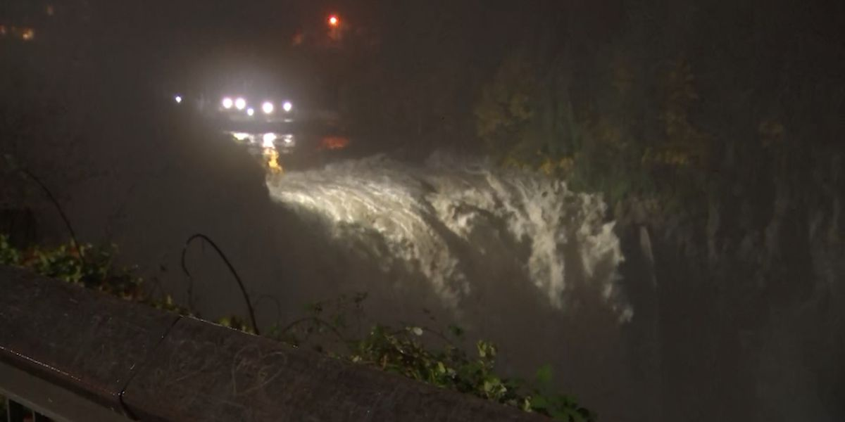Snoqualmie Falls reached greatest flow in nearly four years Tuesday morning