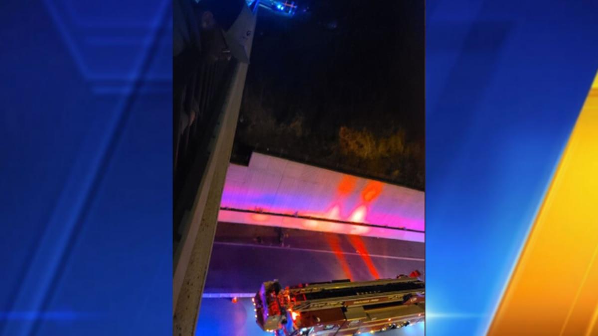 Two die in crash near I-705 in Tacoma