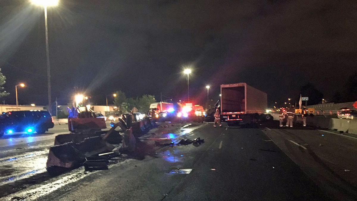 Semi crash closes lanes of NB I-5 in Tacoma