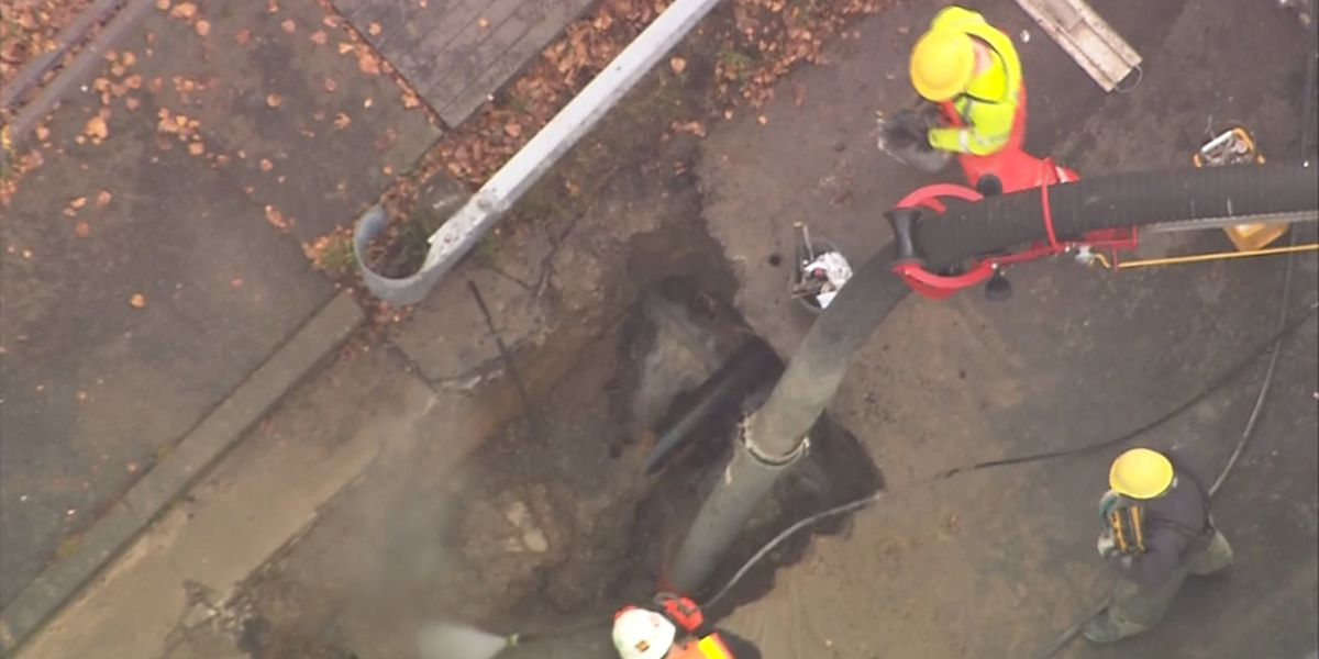 Students released early after water main break near Nathan Hale High School