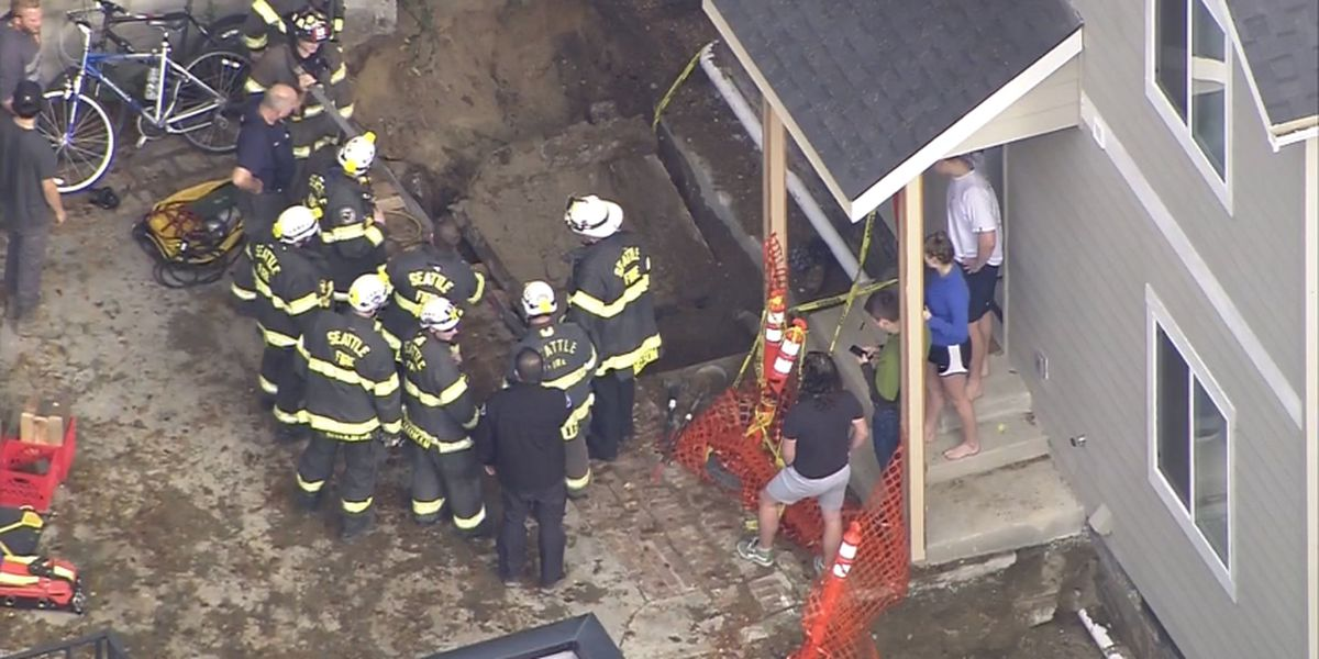 Person rescued by fire crews after being trapped under debris in Ravenna