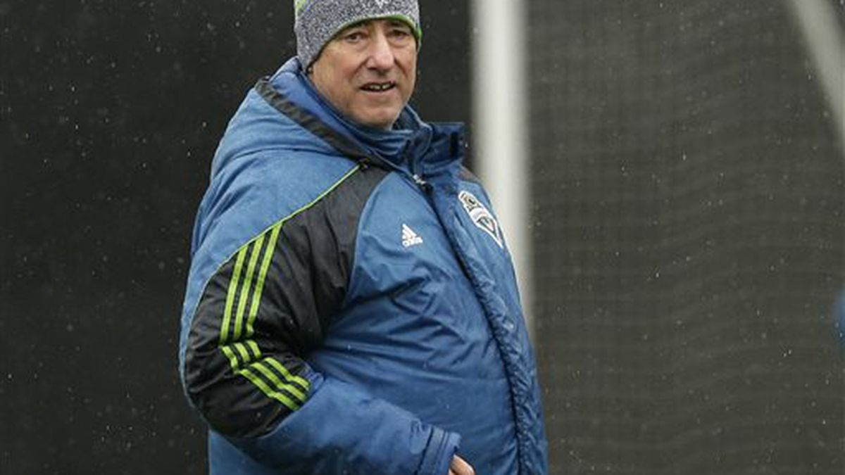 Sounders considering formation change to highlight strikers