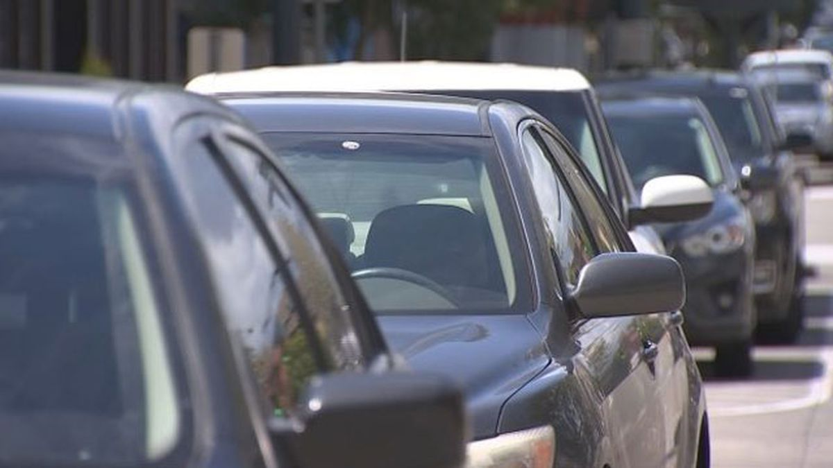 Seattle drivers spend 58 hours a year parking, INRIX study shows