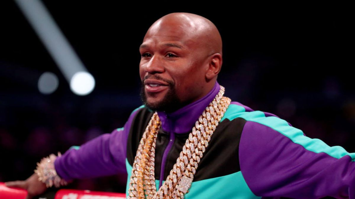 Retired boxer Floyd Mayweather will pay for George Floyd's funeral