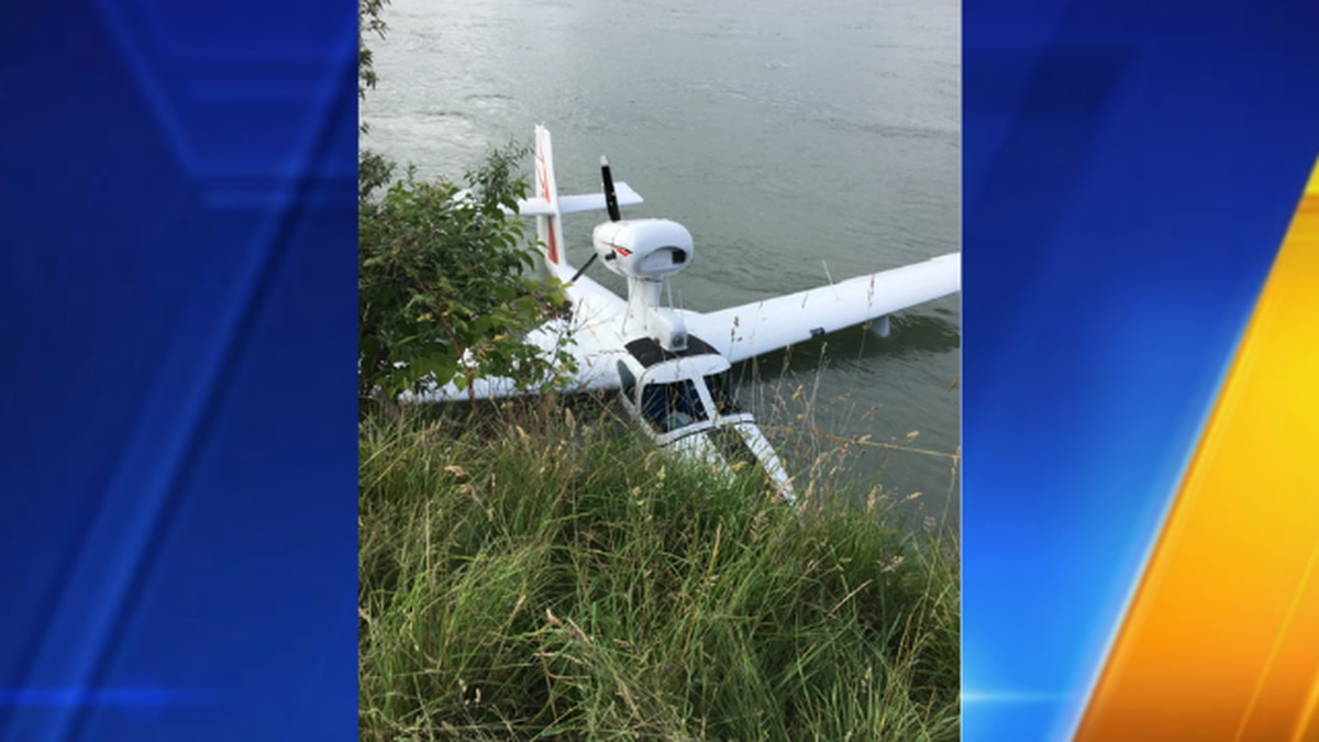 Single-engine plane crashes into Skagit River