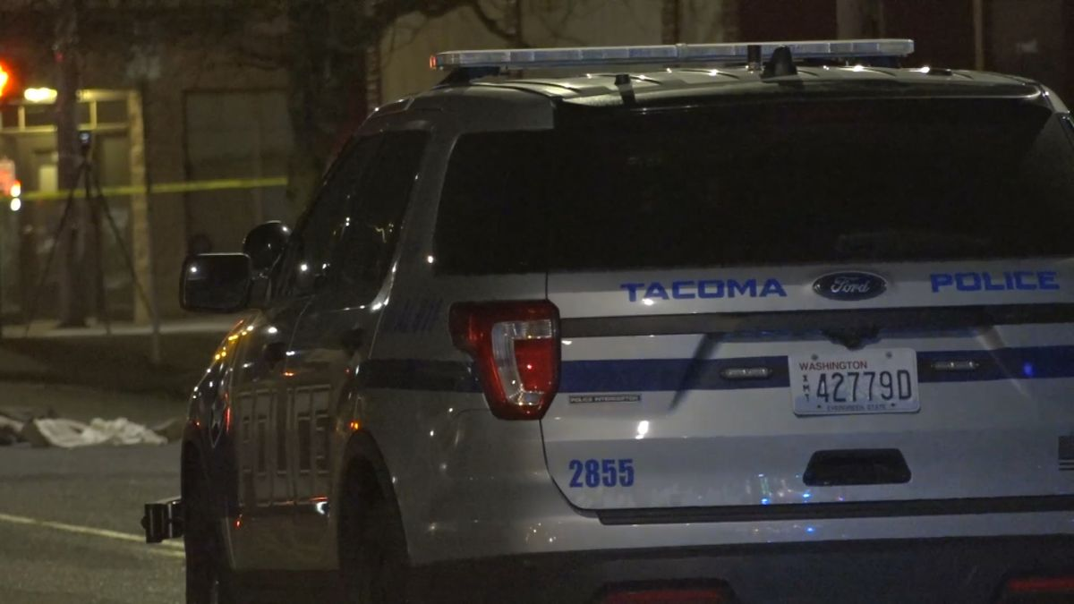 Man found bleeding on porch in Tacoma dies from injuries