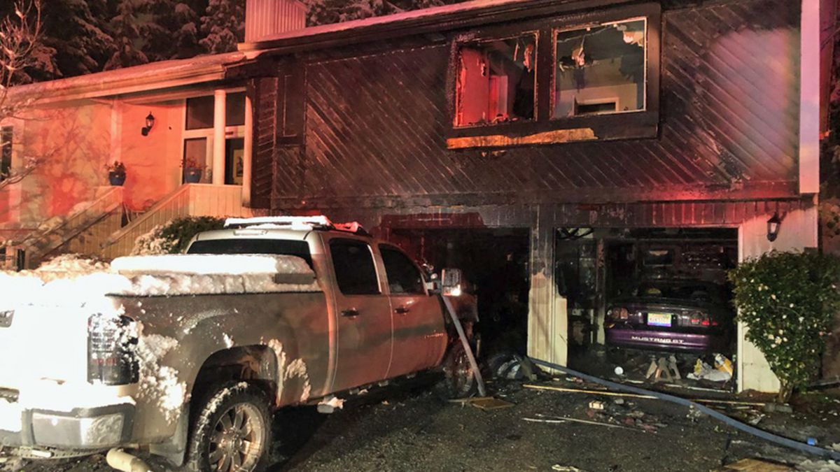 Truck fire spreads to Mill Creek house, garage
