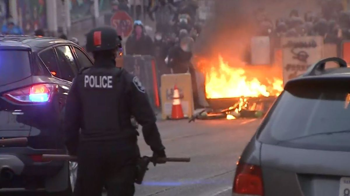 10 arrested after windows smashed, fires set during protest in Seattle