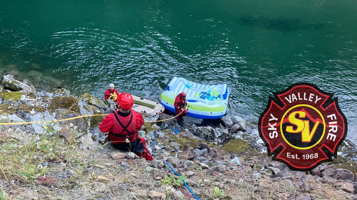 Firefighters respond to 4 water rescue calls on Skykomish River Sunday