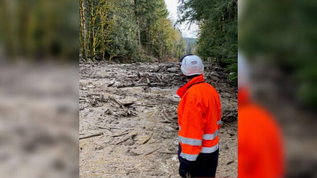 Mudslides, flooding block entrances to Mt. Rainier National Park