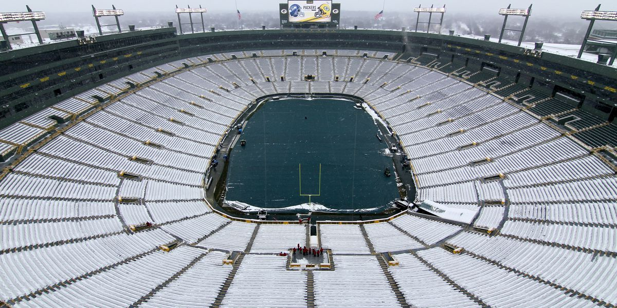 Packers ask for volunteers to help shovel snow before game against Seahawks