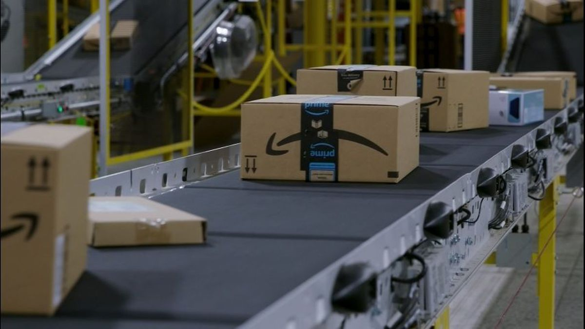 FBI: Delivery drivers involved in Amazon theft ring
