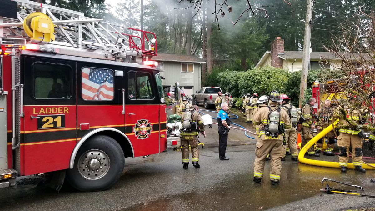 Woman dies after Lakewood house fire