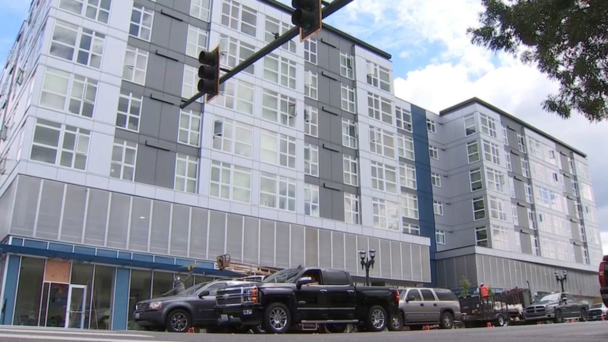 Data shows Snohomish Co. population growing too fast for road system