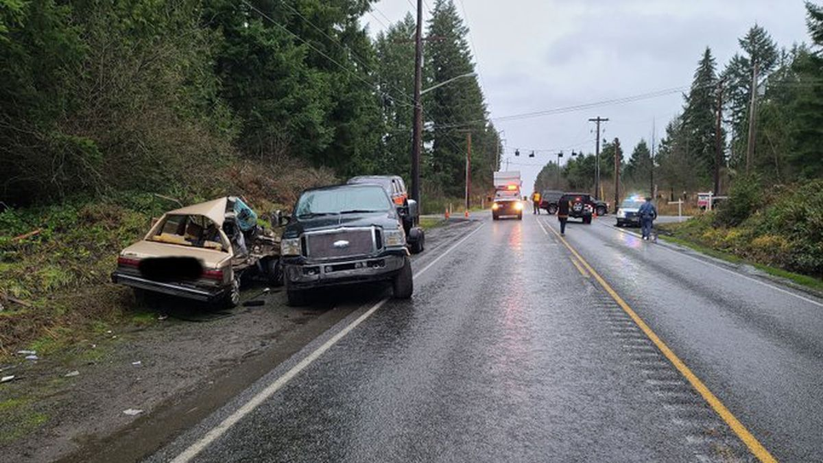 2 dead in collision on SR 702