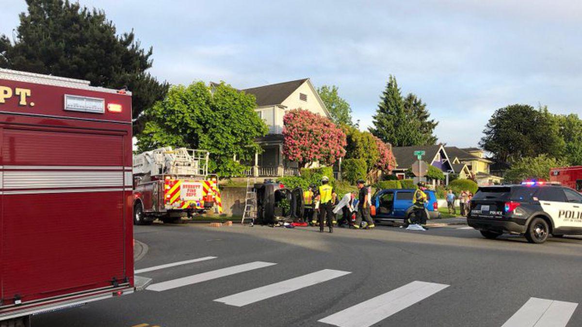 1 injured in hit-and-run crash in Everett
