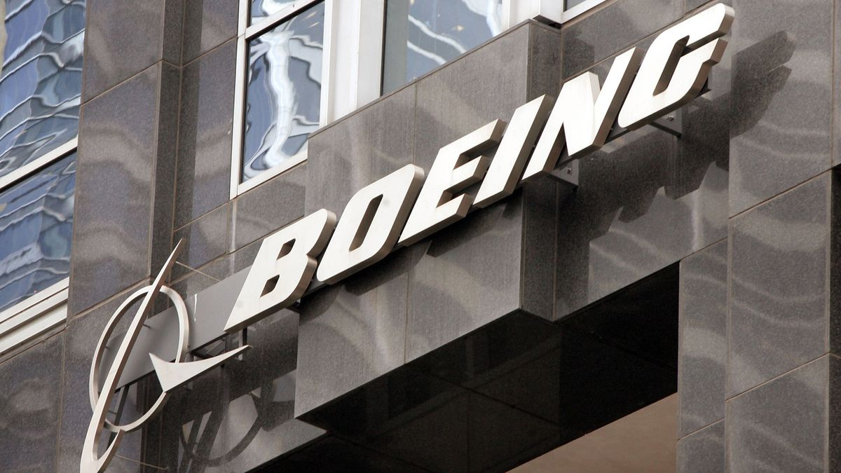 On this day: Boeing moves corporate headquarters to Chicago in 2001