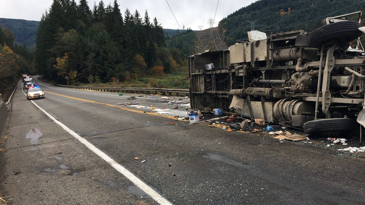 State Route 18 reopens after crash closes both directions Saturday at I-90