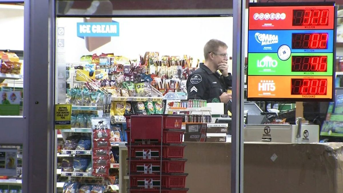 Shot fired in Shoreline armed robbery