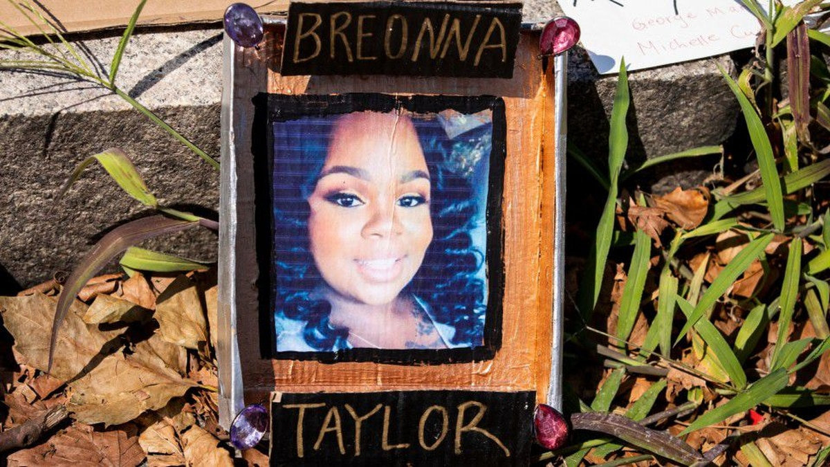 I Can No Longer Remain Silent Kenneth Walker Boyfriend Of Breonna Taylor Files Suit In Her Death