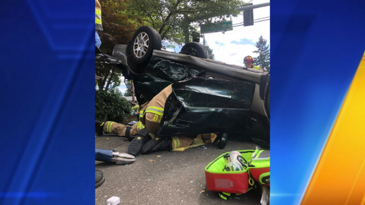 3 treated for minor injuries after 2-vehicle rollover collision in Lacey