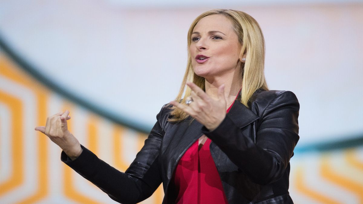 Actress Marlee Matlin calls out Delta's lack of in-flight accessibility for deaf, hearing impaired