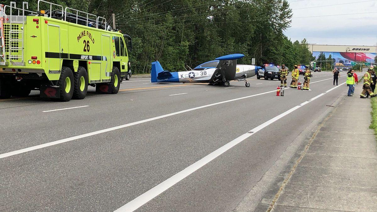 Small plane crash lands on Everett road