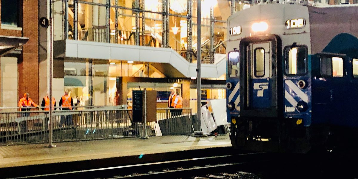 Sounder train hits luggage truck, causes delay