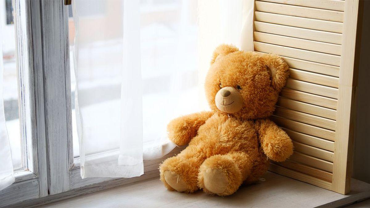 Coronavirus: Connecticut woman creates 'QuaranTine Bears' for children