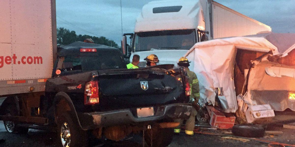 Semi crash closes lanes of I-5 in Smokey Point area