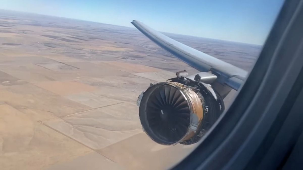FAA ordering immediate inspections of Boeing 777 planes after engine failure on United Airlines flight