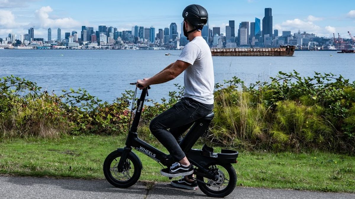 Seated scooters launch in Seattle
